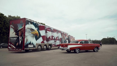 TRUMP TRAIN - Worlds Longest Semi With Trump Livery